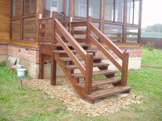 Построить лестницу на крыльцо дачи