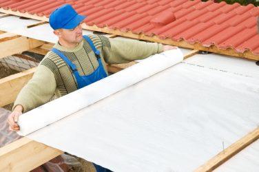 Монтаж пароизоляции на крыше