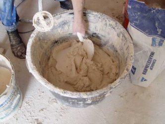 Как сделать глиняный раствор для штукатурки?