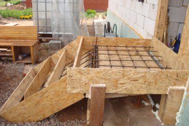 Как залить лестницу из бетона для крыльца?